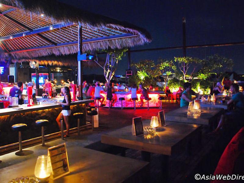 sky garden rooftop lounge gallery2